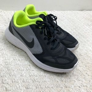 Nike Revolution3 size 6y or M6/W7.5